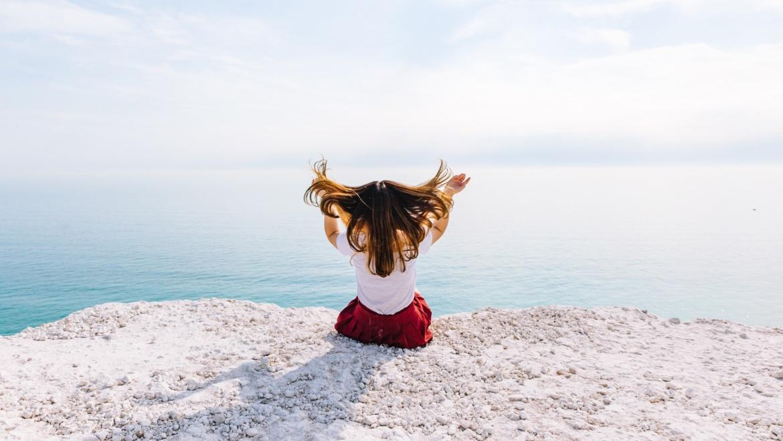 4 astuces pour retrouver de beaux cheveux après la plage